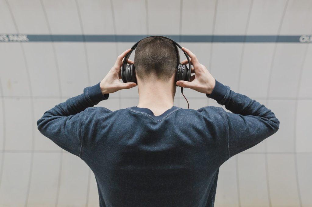Best over ear headphones for under 100