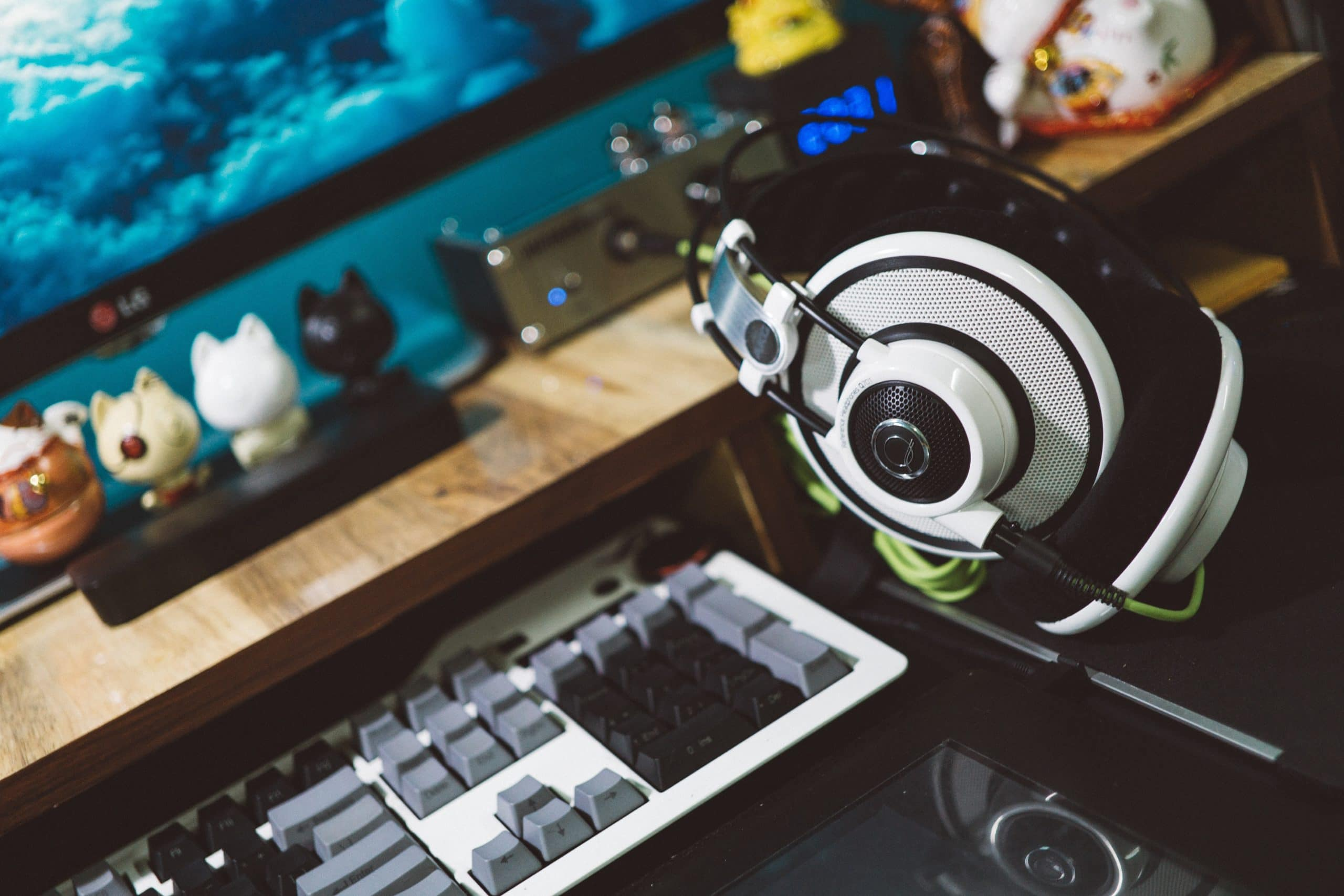Best gaming headsets under 100 dollars [Top 3]